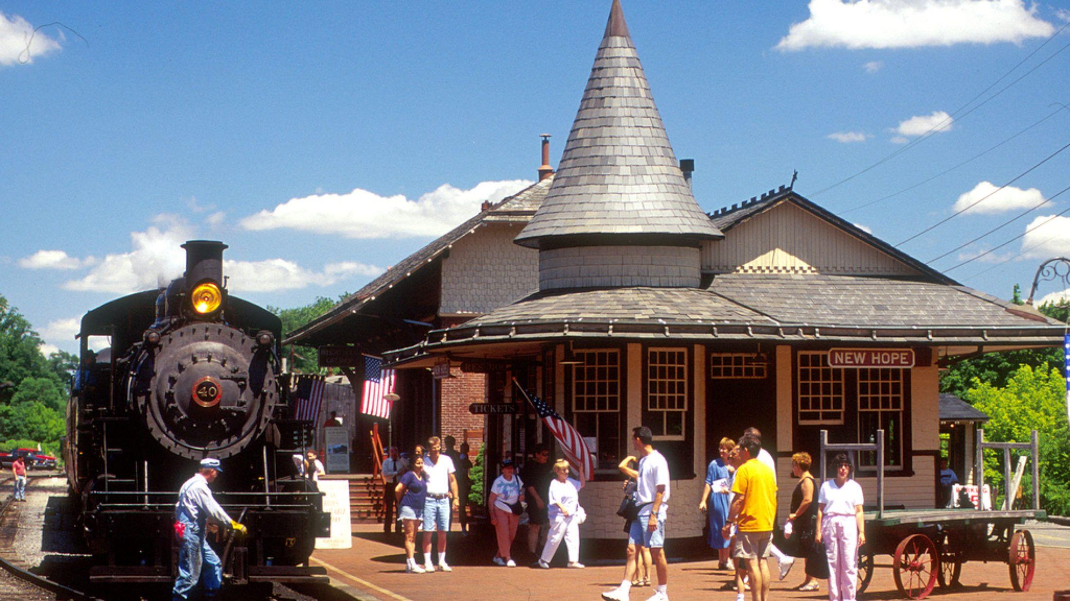 New Hope Boat Rides and New Hope Train Excursions